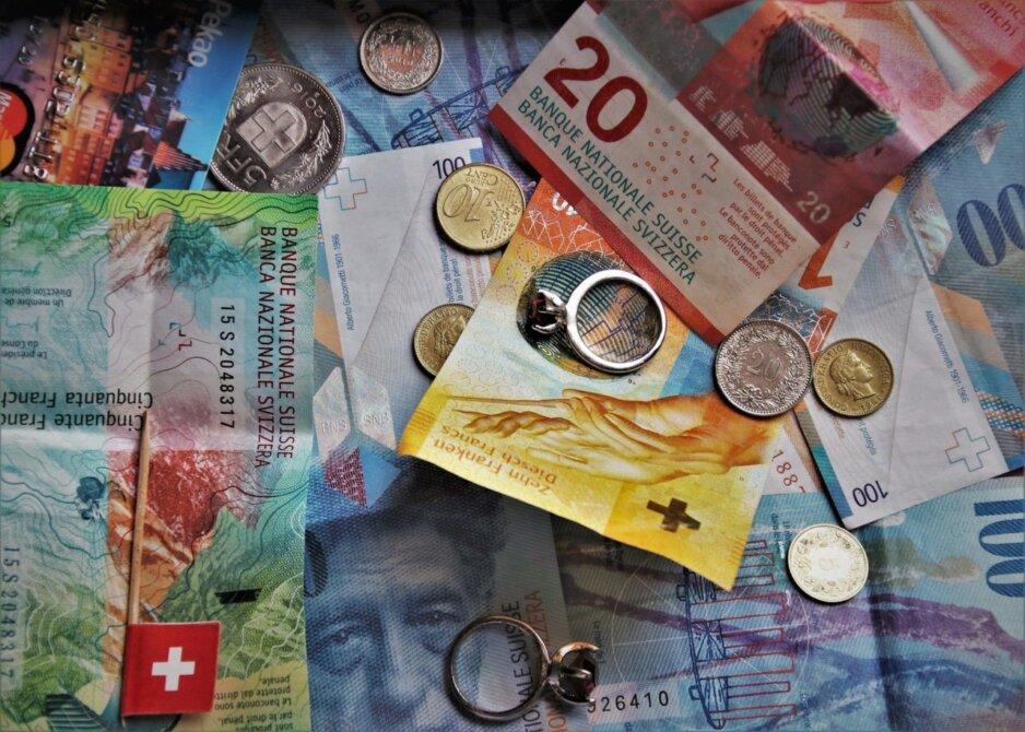 Photo 1 Kredyt we frankach uniemożliwia sprzedaż mieszkania?